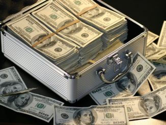 Geldkoffer, reich werden mit Aktien